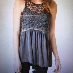 POL Gray crocheted lace lace-up back tunic top